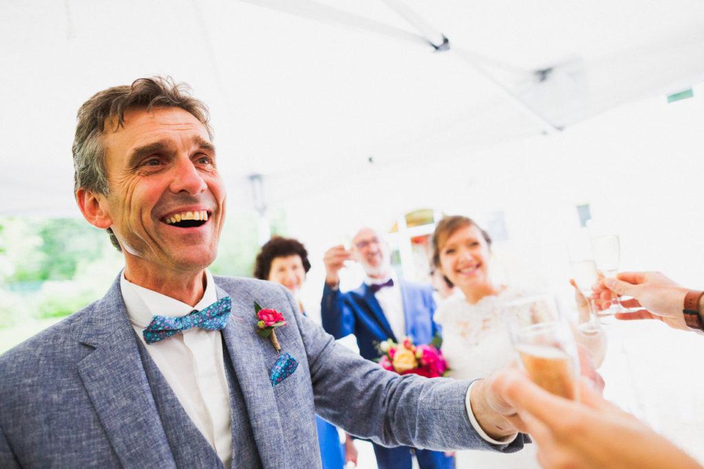 coiffure de la mariée photographe de mariage à Quimper Pont Labbe cocktail mariage Pont Labbe